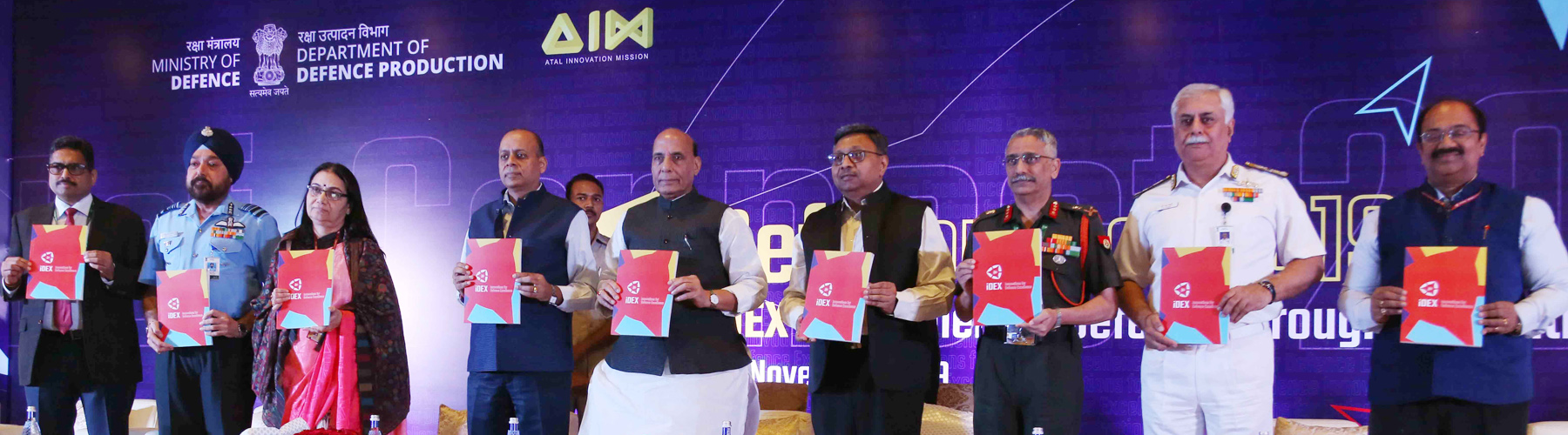Raksha Mantri Shri Rajnath Singh releasing Compendium of iDEX Guidelines at Def-Connect under the aegis of Innovations for Defence Excellence (iDEX) in New Delhi on Monday, November 11, 2019