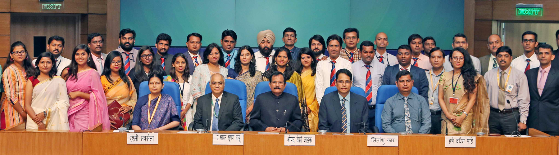 Group photo of DCC 2019 participants with Raksha Rajya Mantri Shri Shripad Naik and senior government officials at the valedictory function of Defence Correspondents Course 2019 in New Delhi on September 20, 2019