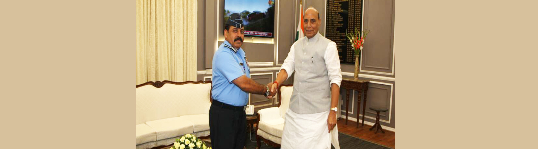 Air Chief Marshal Rakesh Kumar Singh Bhadauria calling on Raksha Mantri Shri Rajnath Singh after taking charge as the Chief of the Air and Staff in New Delhi on September 30, 2019.